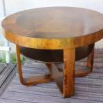 Vanha tupakkapöytä